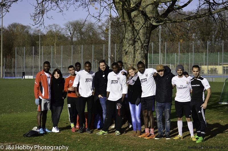 Menschlichkeit Fußball (42)-27a