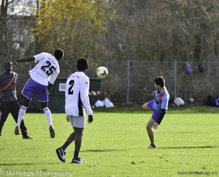 Menschlichkeit Fußball (49)-11
