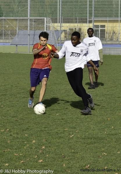 Menschlichkeit Fußball (54)-20